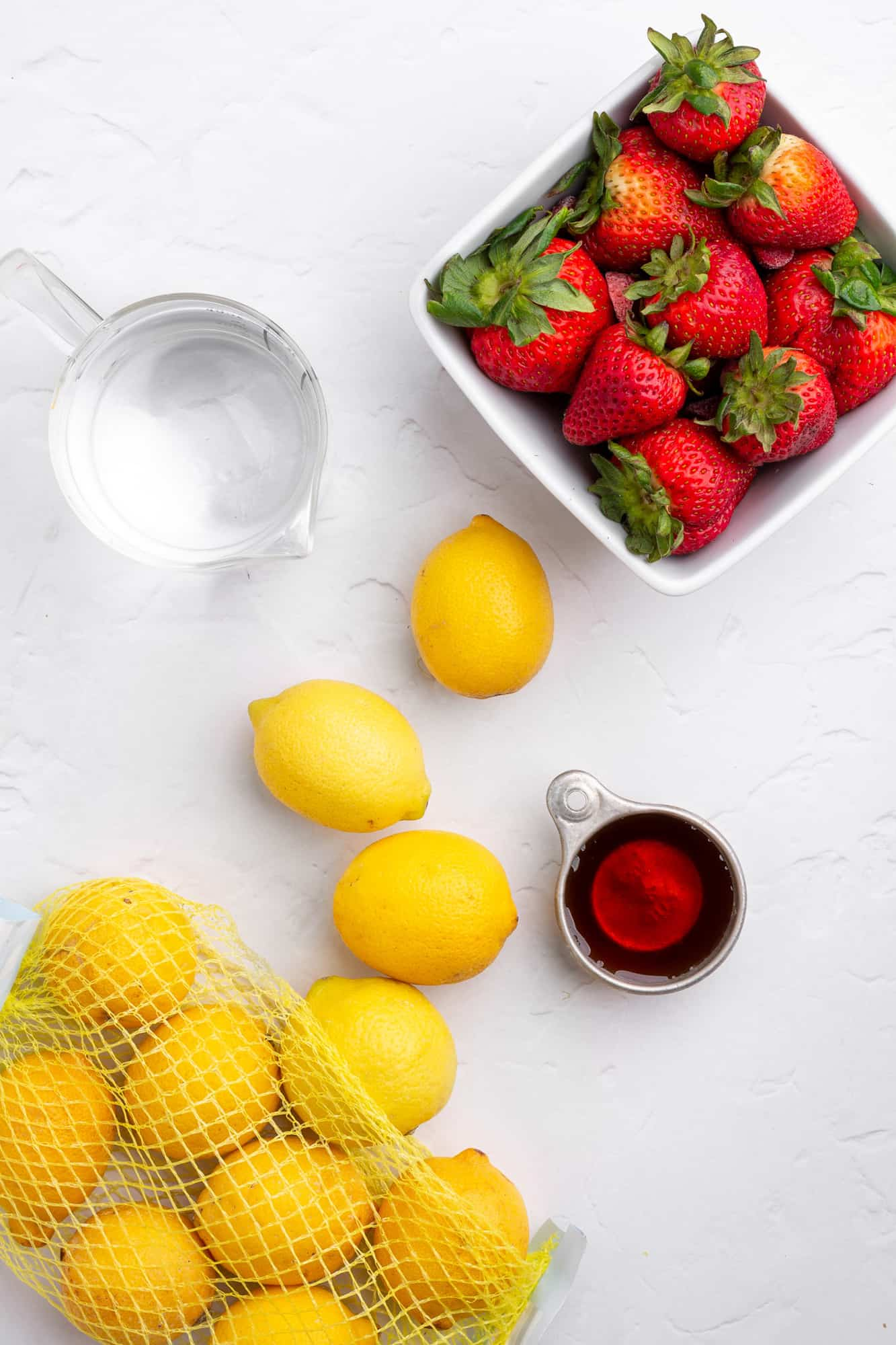 ingredients to make healthy strawberry lemonade popsicles